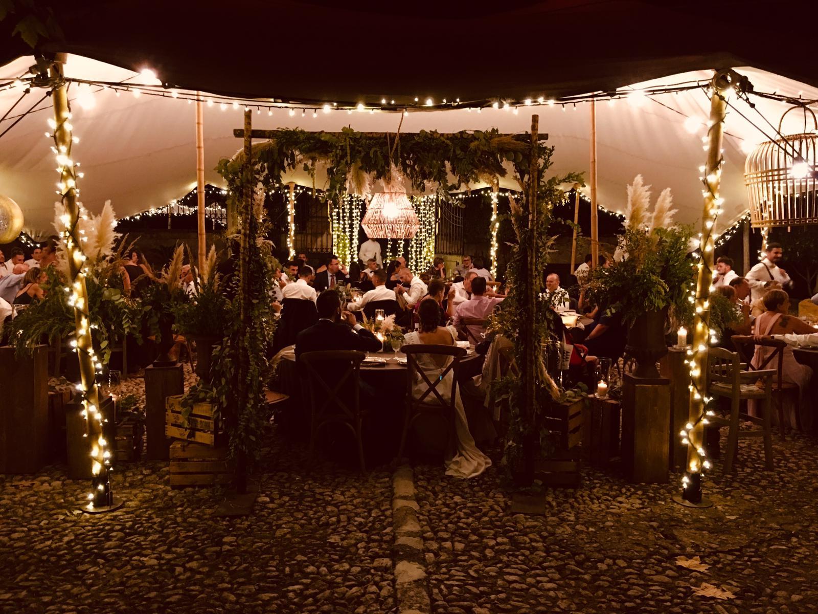 alquiler-iluminacion-evento-boda-mallorca-grupo-tot-a-punt-catering-rentals